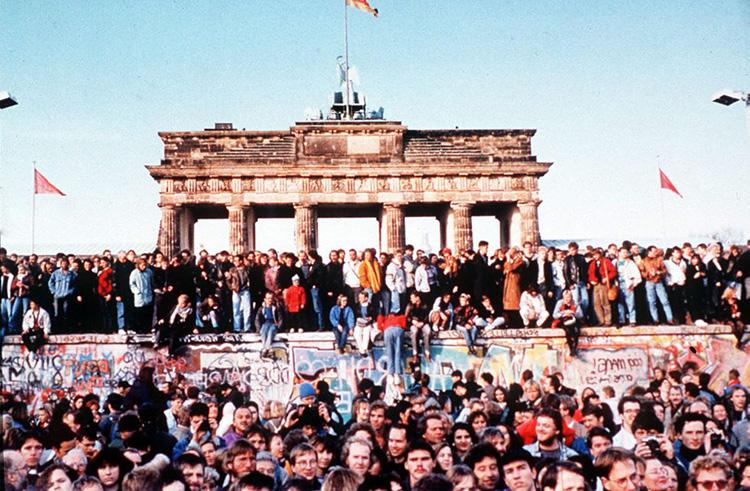 imagen-del-documental-cronica-alemana-50-a%C3%B1os-de-republica-federal